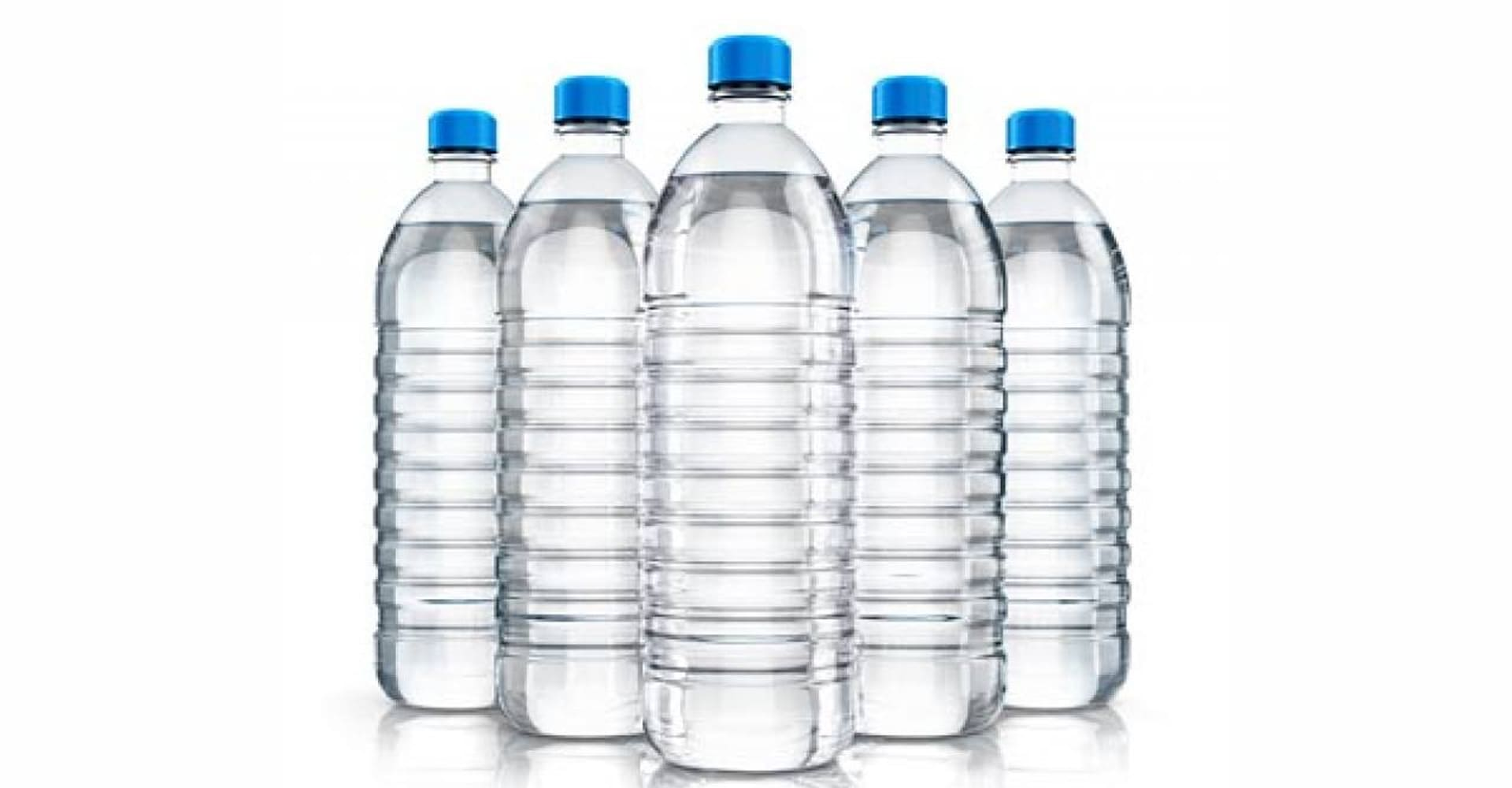¿Por qué contamina tanto tomar agua embotellada?